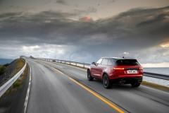 Range-Rover-Velar-15