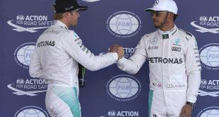 Nico Rosberg (t.v.) snøt Lewis Hamilton for tittelen i formel 1.