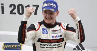 Dennis Olsen har grunn til å juble. Han herjer for tiden i Porsche Carrera Cup.