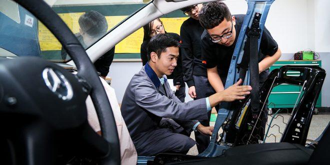 Mange internasjonale bilprodusenter er også i Kina, blant annet Daimler. (Foto: Daimler)