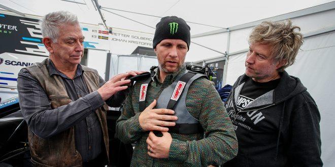 Petter Solberg ble plastret sammen under runden i Tyskland. (Foto: Volkswagen)