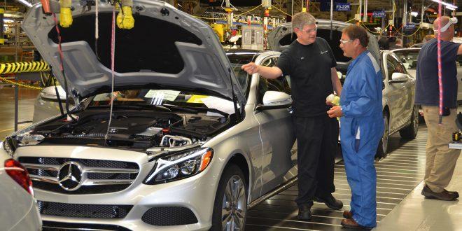 Daimler er også trukket inn i skandalen rundt Kobe Steel. (Foto: Daimler)