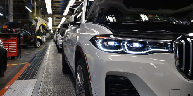 Snart kommer BMW'en med tre seterrader, nemlig X7. (Alle foto: BMW)