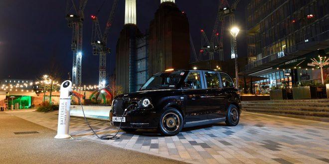 Dette er hybrid-taxiene til London. Elektrisk rekkevisdde er 130 kilometer. (Foto: LEVC)