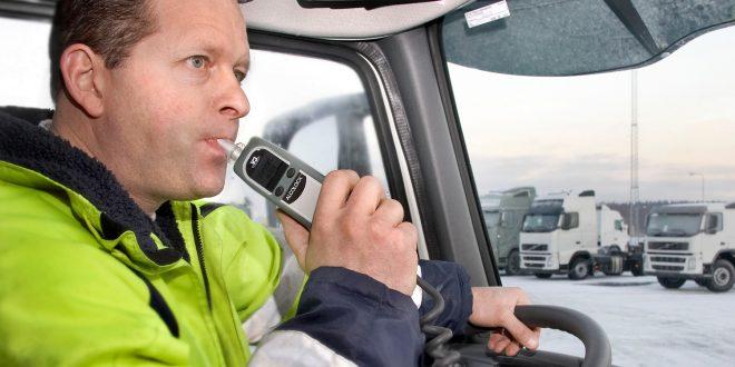 Regjeringen vil påby alkolås i transportsektoren. (Arkivfoto)