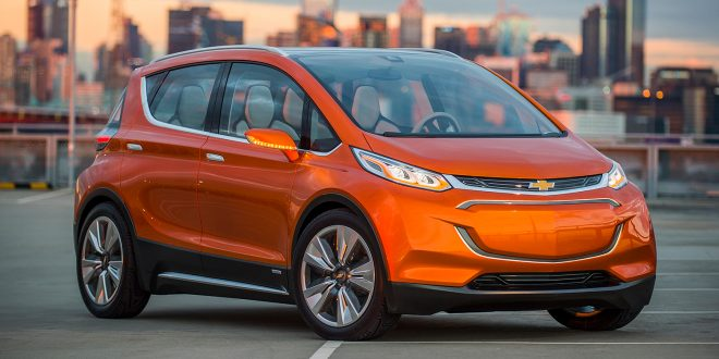 GM tror de kan gå i overskudd med elbilene i 2021. Her Chevrolet Bolt. (Foto: GM)