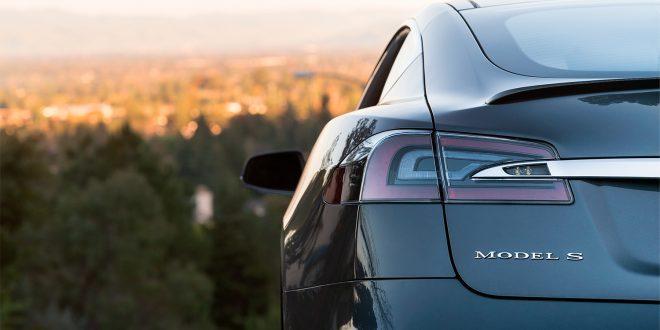 Elon Musk vil sende en selvkjørende Tesla på turné gjennom hele USA. (Foto: Tesla)