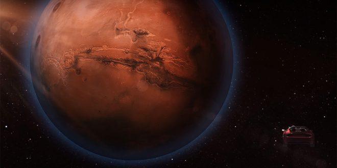 Elon Musk skal sende en Tesla Roadster i bane rundt Mars. (Foto: SpaceX)