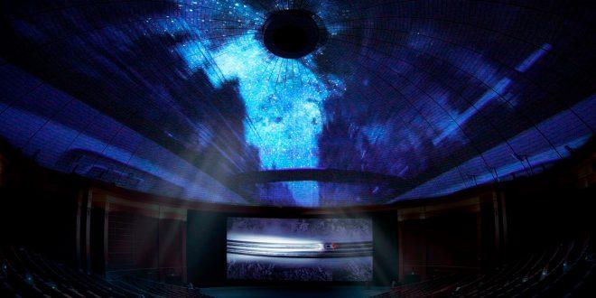 Volvo viser nå verdens største kinoreklame. (Foto: Volvo)