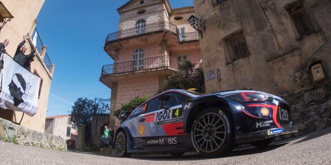 Andreas Mikkelsen fikk det ikke til på asfalt i Korsika. (Foto: Red Bull)