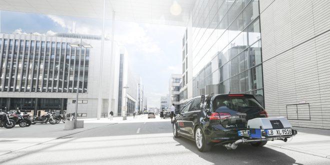 Her kjører Bosch med en dieselbil som er klimavennlig. (Alle foto: Bosch)