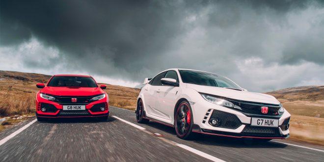 Her er to Honda Civic Type R, en bil til hver pris. (Foto: Honda)