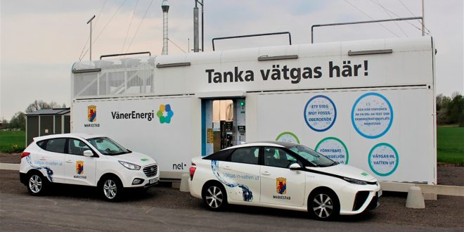 Svenskene åpner snart en hydrogenstasjon som kan lage sin egen energi via solceller. (Foto: Mariestad kommune)
