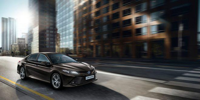 Toyota Camry returnerer endelig til Norge. 8. generasjon kommer også som hybrid. (Alle foto: Toyota)