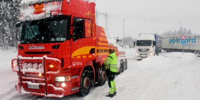 NLF har en rekke krav som retter seg både mot trafikken og transportnæringen. (Illustrasjonsfoto: Stein Inge Stølen, Norges Lastebileier-Forbund)