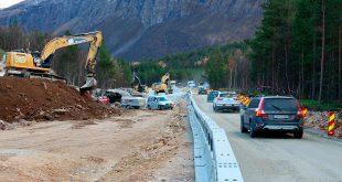 I Troms legger Statens vegvesen kabler under veidekket. Nå skal det legges rør i alle nye veier. (Foto: Statens vegvesen)