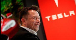 Elon Musk sier at han har finasiell støtte fra Saudi-Arabia. (Foto: Tesla)