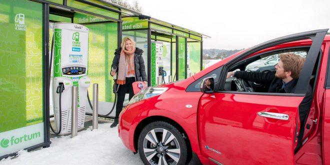 I framtiden vil det gå raskere å lade opp elbiler. (Foto: Fortum)