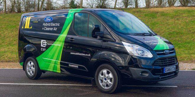 Ford har testet en prototype av Transit Custom PHEV i London, og nå viser de den fram under en stor messe. (Foto: Ford)