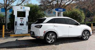 Hyundai satser tungt på hydrogenbilen Nexo, men i Norge blir det problematisk å få fylt opp tanken. (Foto: Hyundai)