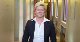 Finansminister Siv Jensen utsetter overgangen til WLPT. (Foto: Rune Kongsro)