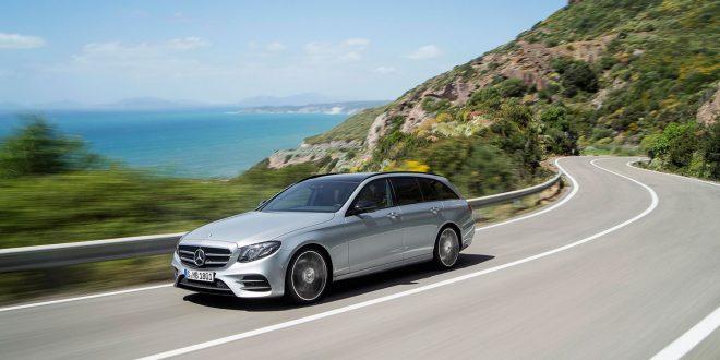 Stasjonsvognen til Mercedes E-klasse er kåret til årets beste bruktbil. (Begge foto: Mercedes)