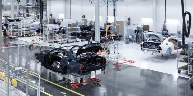 Polestar har snart klar de 34 første testbilene av Polestar 1. (Begge foto: Polestar)