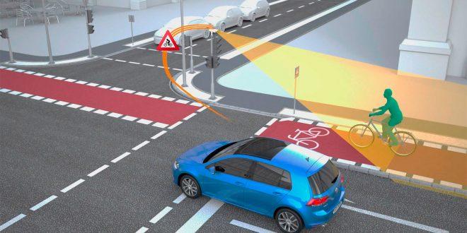Volkswagen og Simenes vil koble bilene opp mot trafikklysene. (Illustrasjon: VW)