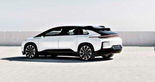 Faraday Future er ikke konkurs, selv om man skulle tro det. Den imponerende elbilen FF 91 nærmer seg. (Begge foto: FF)