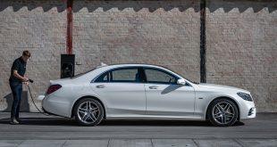 I desember kommer hybridflaggskipet til Mercedes, S 560 e. (Alle foto: Daimler)