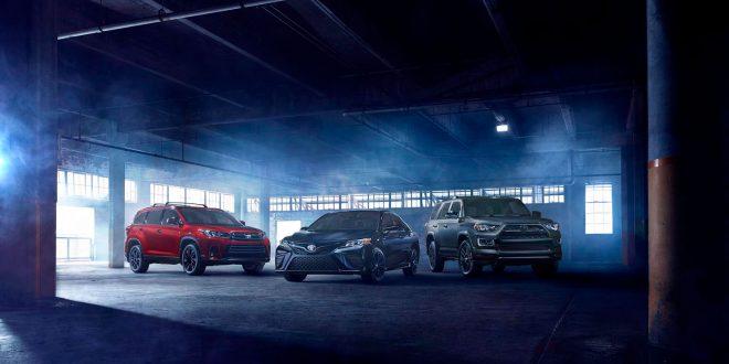 Toyota er glad i mørke modeller, og skal nå vise fram to nye Nightshade-versjoner. (Alle foto: Toyota)