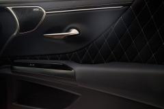 2019_Lexus_ES_Custom_005