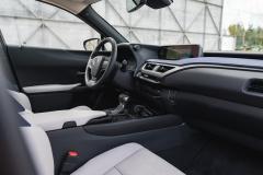 Lexus-UX-250h-13