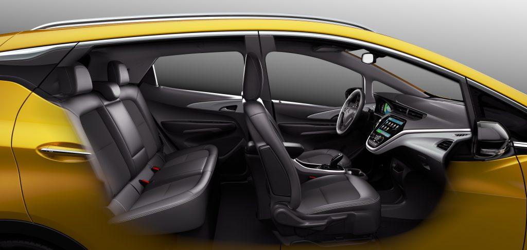 Opel Ampera-e er 417 centimeter lang og har plas til 5 personer.