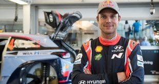 Andreas Mikkelsen er på plass i Australia hvor han vant i fjor. (Begge foto: Red Bull)