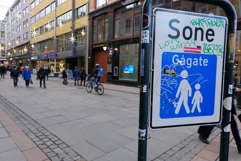 Sykkelveien nord i Torgata i Oslo skal deles med fotgjengere. Det skaper trøbbel. (Foto: Bil24)
