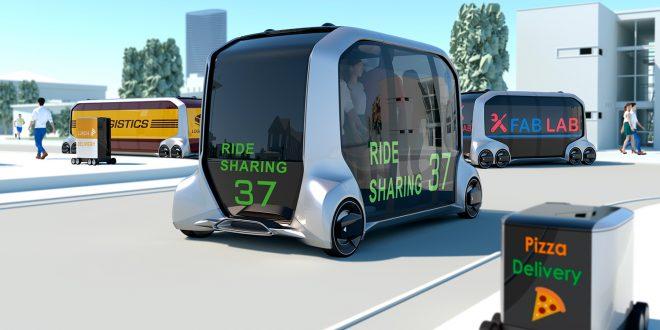 Dette er framtiden. Vel, kanskje. Toyota har iallfall tro på e-Palette. (Begge foto: Toyota)
