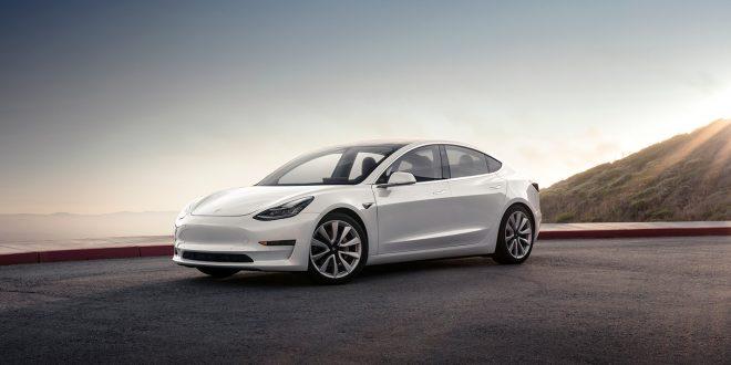 Tesla har nå passert 15.000 Model 3. (Foto: Tesla)