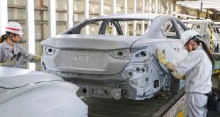 Mazda har produsert 50 millioner biler i Japan. Her fra fabrikken i Hofu. (Begge foto: Mazda)