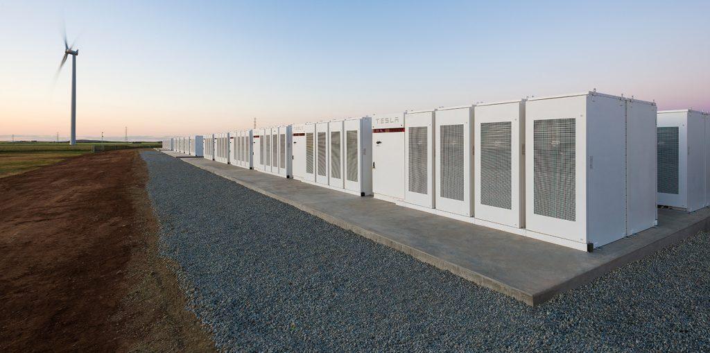 Tesla har bygd en svær batteripark i Australia. (Foto: Tesla)