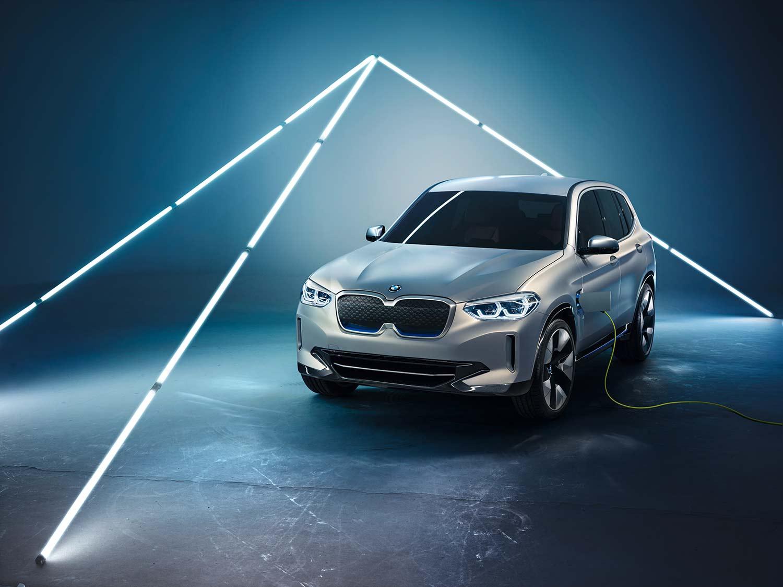 Slik ser den kommende elbilen iX3 ut på konseptstadiet. (Foto: BMW)