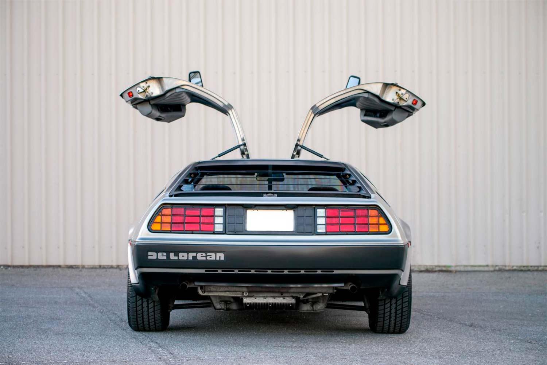 Ikke rart folket lot seg forføre av en DeLorean. (Foto: CAP HPI)
