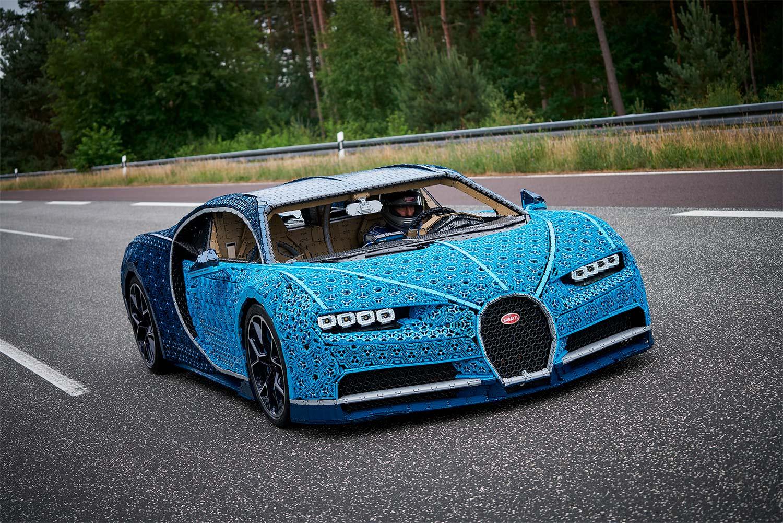 Dette er ganske så utrolig en legovariant av superbilen Bugatti Chiron. (Foto: Lego)