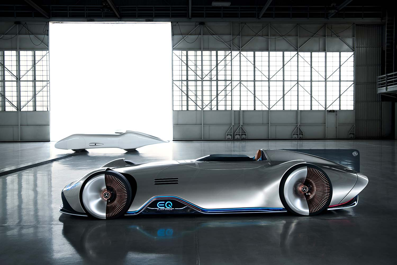 Fortiden møter framtiden. Mercedes har laget en elbil som hyller en 81 år gammel rekordbil. (Alle foto: Mercedes)