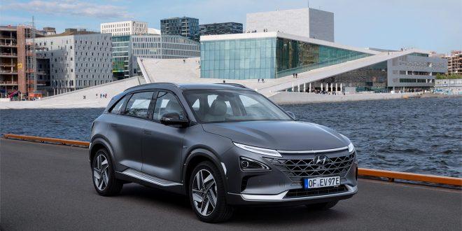 Hyundai Nexo kan snart blir et enda mer vanlig syn foran Operaen i Oslo. Nå åpnes det nemlig for salg. (Alle foto: Hyundai)