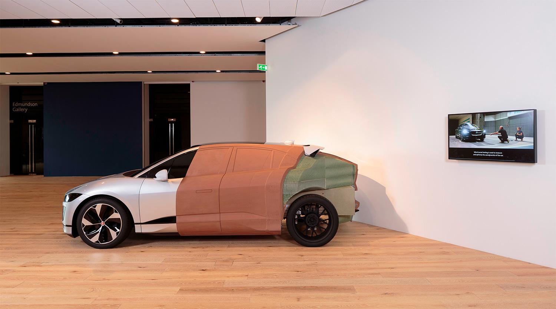 Slik ser det ut når en bil bygges i leire. (Foto: Jaguar)