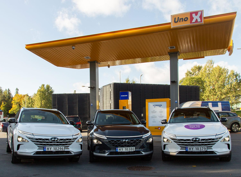 Her er Hyundai Nexo parkert foran hydrogenstasjonen i Sandvika. (Foto: Hyundai/Patchwork)
