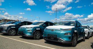 Mange står i kø for den nye Hyundai Kona electric som har en startpris på 325.900 kroner. (Foto: Hyundai)