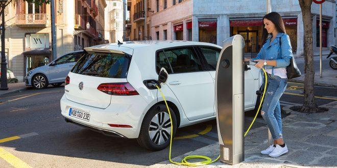 Om ikke regjeringen tar grep vil inntoget av elbiler føre til at bilavgiftsystemet kollapser. (Foto: VW)