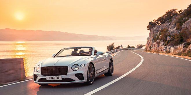 Du kjører ikke raskere og mer stilfullt til stranden enn med denne toppløse modellen. (Alle foto: Bentley)